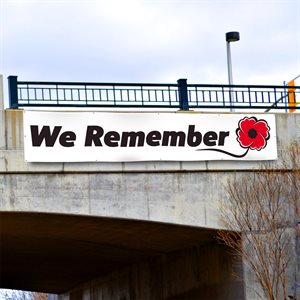 BANNER WE REMEMBER 4' X 20'