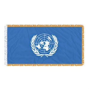 FLAG UNITED NATIONS 6'X3' SLEEVED & FRINGED